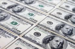 Доллар стабилен выше отметки 65 рублей